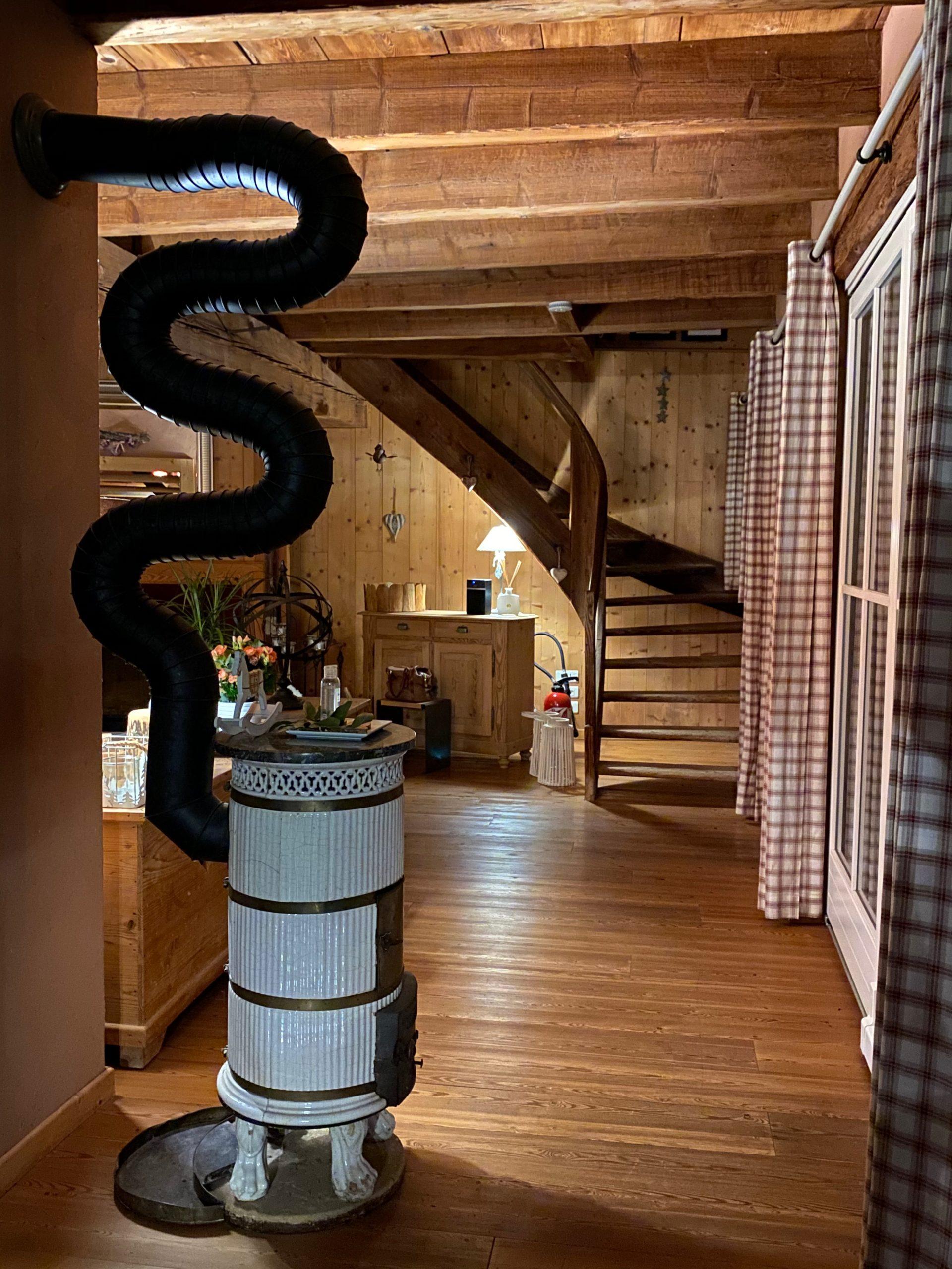 Escalier-accès chambres