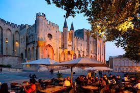 Avignon, place du palais des papes
